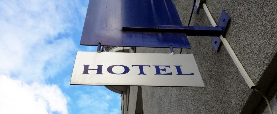 Hotel, über dts
