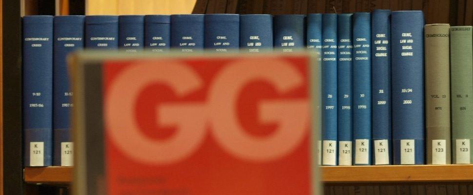 Ausgabe des Grundgesetzes in einer Bibliothek, über dts