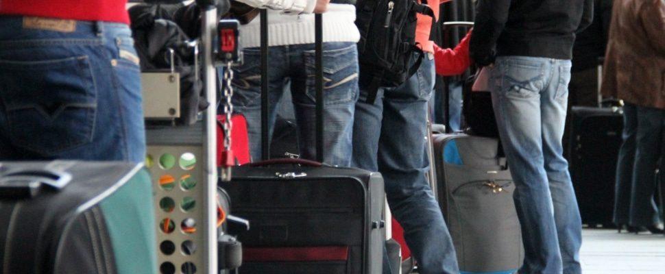 Touristen beim Check