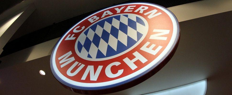 FC Bayern Munich logo in a fan shop, via dts