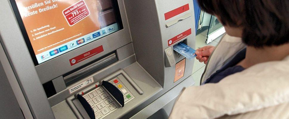 Geldautomat, über dts