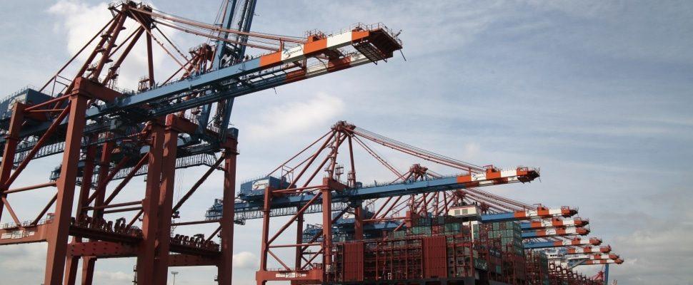 Containerschiff, über dts