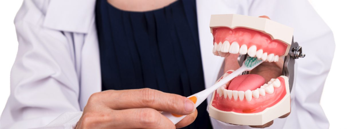 Zahnpflege ist auch im Alter wichtig